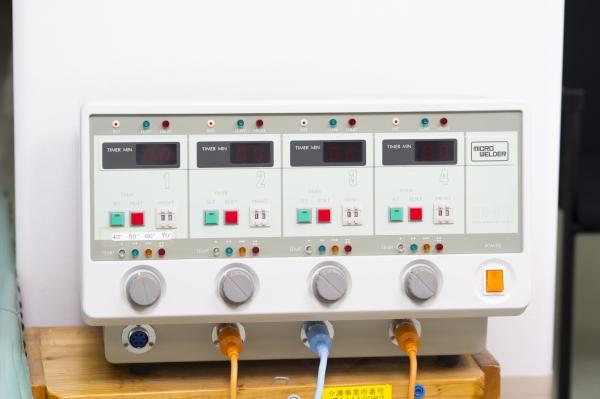 マイクロウェルダー(磁気温熱治療器)